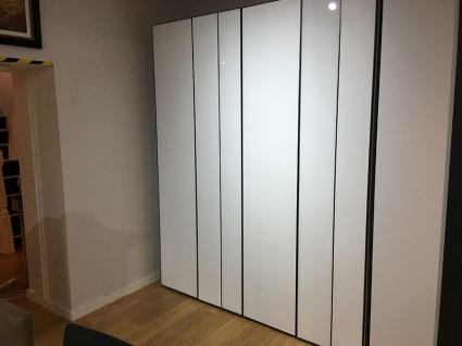 No Limit 4 door wardrobe with integrated lights display