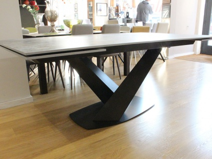 Victoria Dekton top dining table 200/290x120cm in Orix display