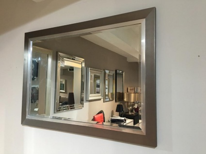 Rylston small mirror display