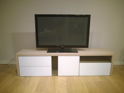 NAT E406 TV stand in light oak 180cm
