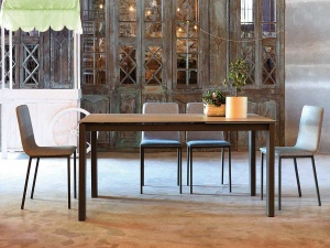 Everest ceramic dining table