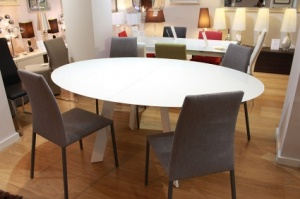 Moon white glass ext. dining table display 180/240x120cm