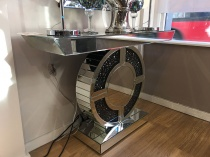Black diamond mirrored console table