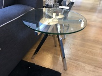 Mino clear glass side table display