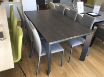 Urban ext. ceramic dining table blaze dark 165/265cm