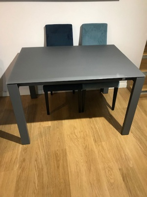 Brooklyn glass ext. dining table 120/180x90cm display
