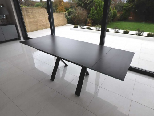 Xenon 145cm extendable table black ceramic