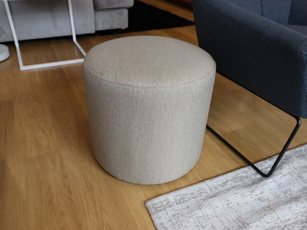 Cube round fabric pouf in beige