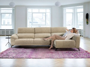 Ania sofa with chaise