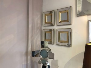 Phantom set of 4 mirror display